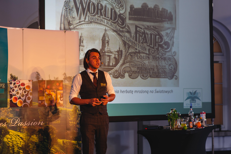 Robert Schinkel sharing tea inspiration in tea mixology