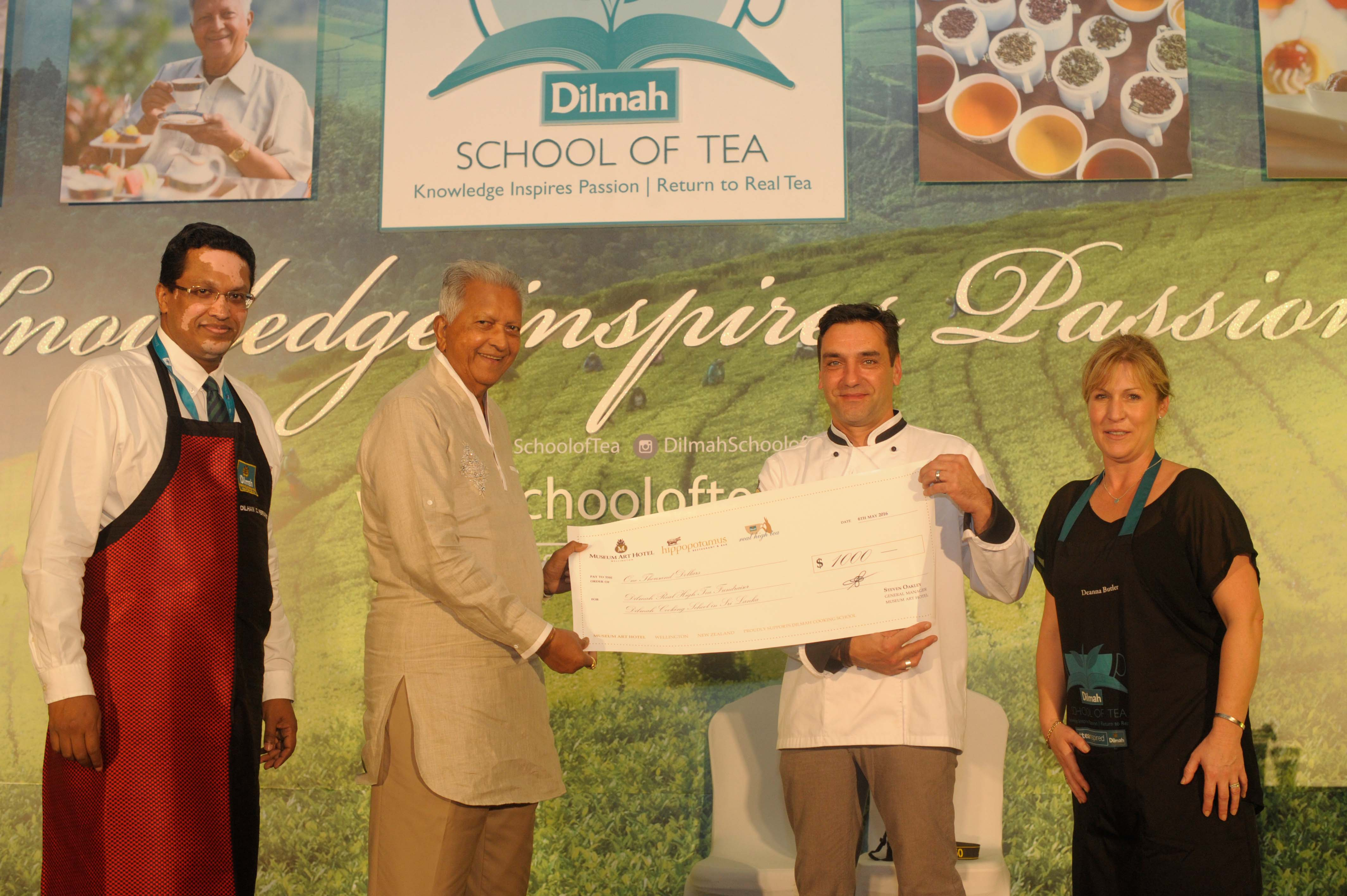 Founder of Dilmah rewarding Global RHT winner Laurent Loudeac