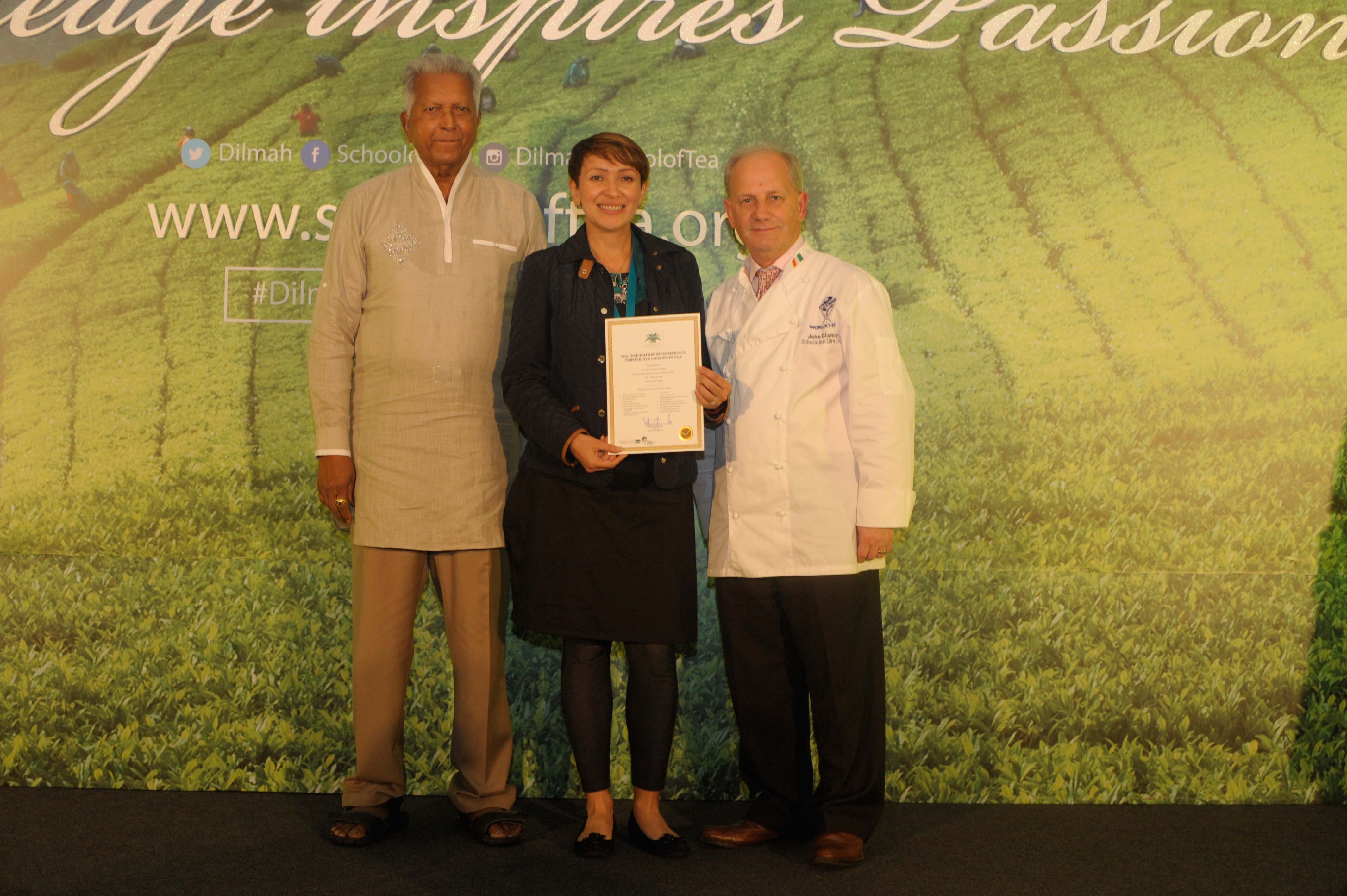 Presentation of certificate to Mexico respresentative