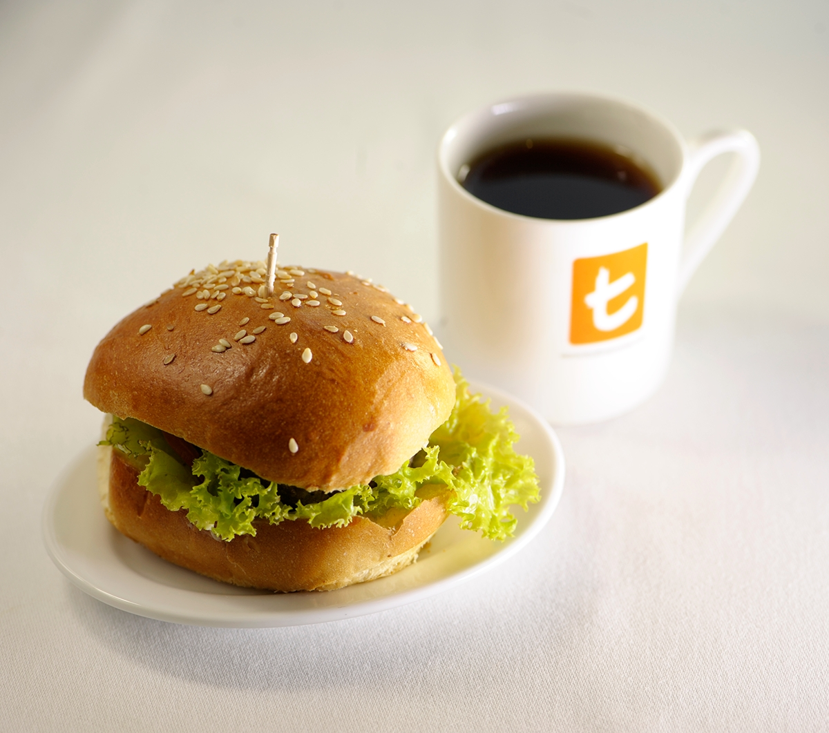 Mini burgers with Dilmah Premium tea