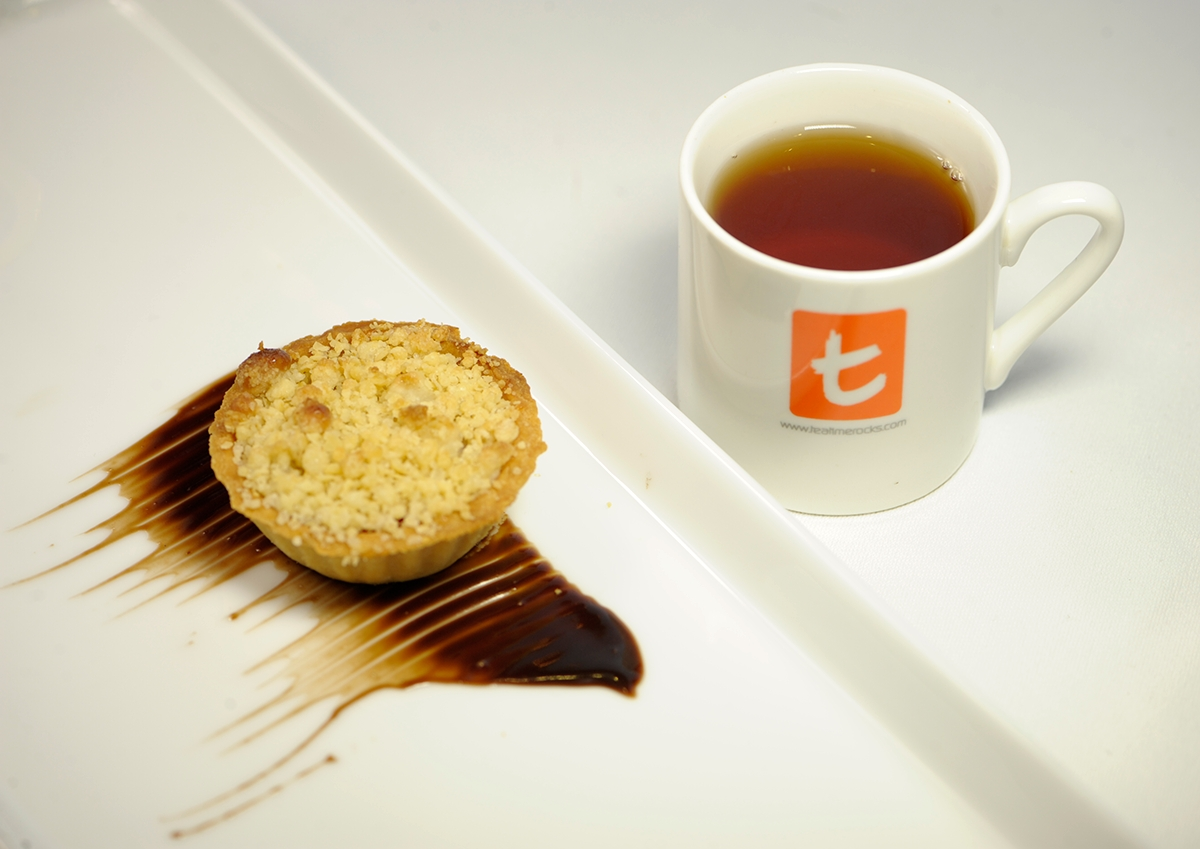 Ceylon tea with Strawberry with Cherry apple crumble with Marizpan