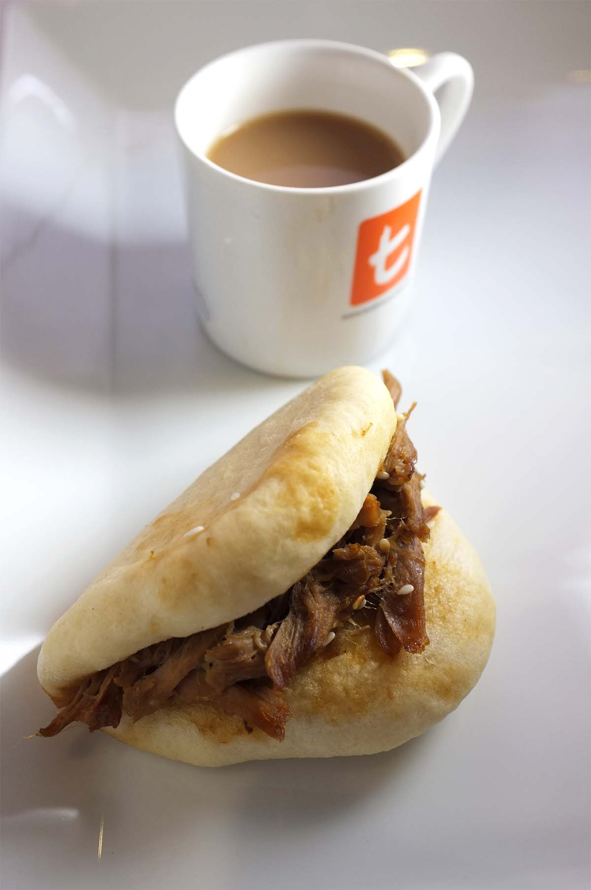 English breakfast tea with momufuku duck steamed bun