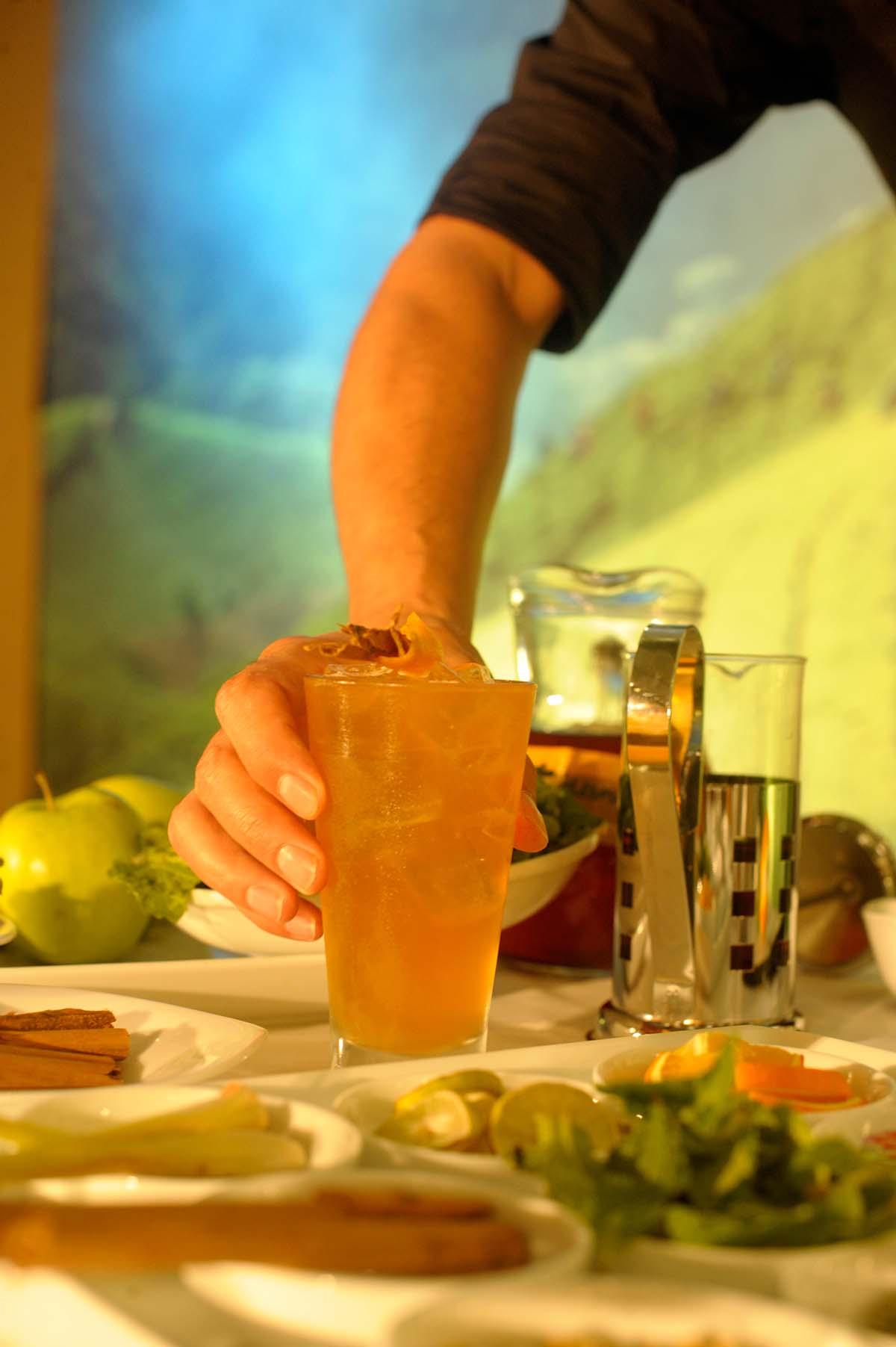 t-cocktail by Robert Schinkel